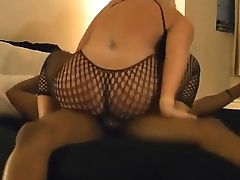 Pawg Bouncing Her Ass On a BBC