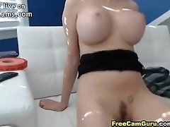Busty College Hottie Girl Masturbating - JizzOnCams.com