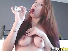Hot redheaded New York gal Jayde pounds pussy