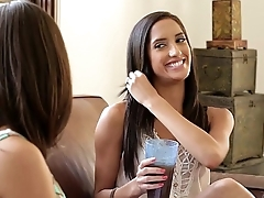 Chloe Amour, Shyla Jennings and India Summer on tap Mommy'_s Girl