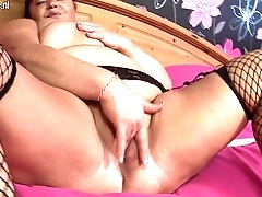 Big Granny with massive tits loves to get wet and wild More on: 18CAMS.CO