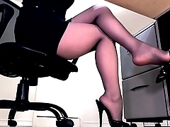Compilation of secretary legs and maligning