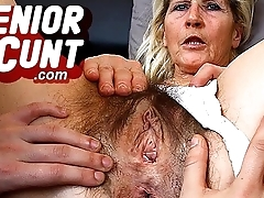 Amateur mom Nora milf pussy spreading games zoomed in