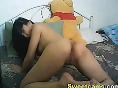 Glamorous webcam chick fucks her pussy with a toy - www.fuck-se.xyz/livecam